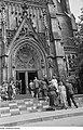 Fotothek df roe-neg 0002813 002 Besucher der Bachfeier vor der Thomaskirche.jpg
