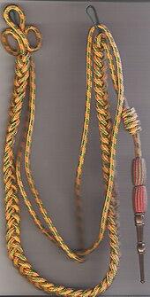 Fourragère aux couleurs de la médaille miltaire avec olives de la croix de guerre 1914-1918 1939-1945