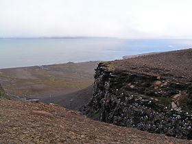 Пролив Фреманнсундет между островами Эдж и Баренца