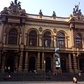 Frente do Theatro Municipal.jpg