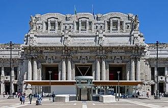 Milano Centrale railway station - Main entrance portico on Piazza Duca d'Aosta, 2016
