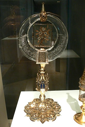 Fatimid art - Early 11th century rock crystal crescent inscribed to Caliph al-Zahir, 14th century gold mounting, Germanisches Nationalmuseum