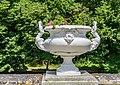 Garden of Diane de Poitiers in the Castle of Chenonceau 07.jpg