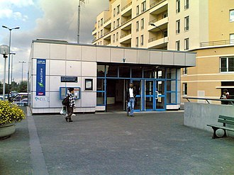 Saint-Ouen (Paris RER) - Entrance