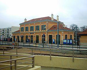 Saint-Germain-en-Laye-Grande-Ceinture Station - St Germain's Grande-Ceinture station.