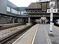 Gatwick Airport stn platform 6 look south.jpg