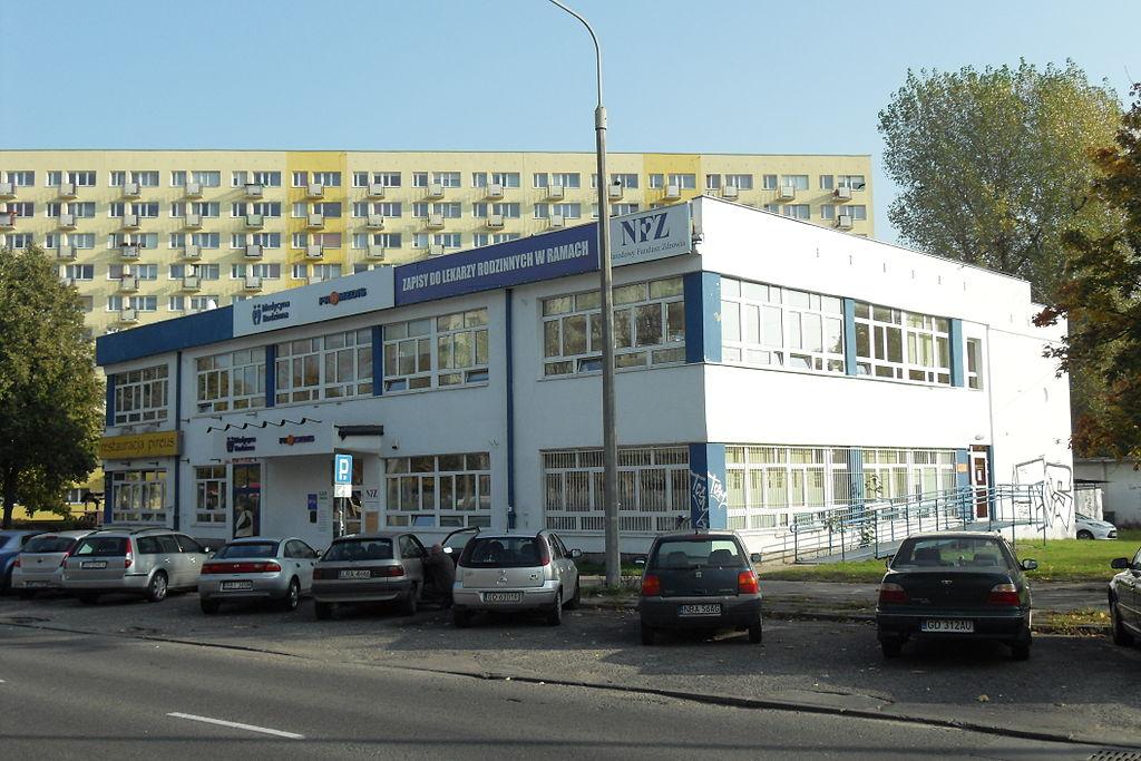 1024px-Gda%C5%84sk_ulica_Pomorska_96.jpg
