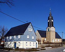 Gersdorf Kirche und Karoline-Rietschel-Haus.jpg
