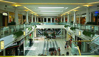 Glenbrook Square - A view of the mall, looking from Carson's