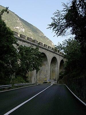 Terni–Sulmona railway - Railway viaduct in the San Venanzio canyon, near Castelvecchio Subequo