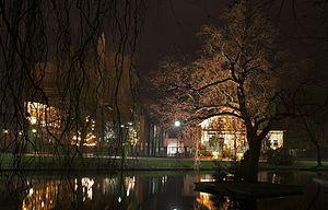 Pferdegraft bei Nacht (im Hintergrund die Jever-Brauerei)