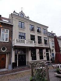 Grave Rijksmonument 17288 Markt 14.JPG