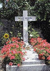 Grave of Audrey Hepburn, Tolochenaz, Switzerland - 20080711.jpg