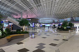 HKIA Midfield Concourse Interior 201604