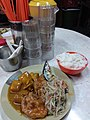 HK 觀塘 Kwun Tong Tsun Yip Street cooked food Market 馬記小食 Restaurant food 三餸飯 碟頭飯 rice curry chicken potato fishes November 2018 SSG 03.jpg