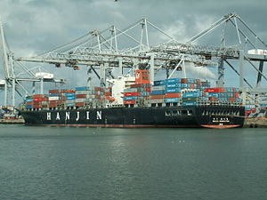 Hanjin Washington IMO 9111395, at the Amazone harbour, Port of Rotterdam, Holland 29-Apr-2006.jpg