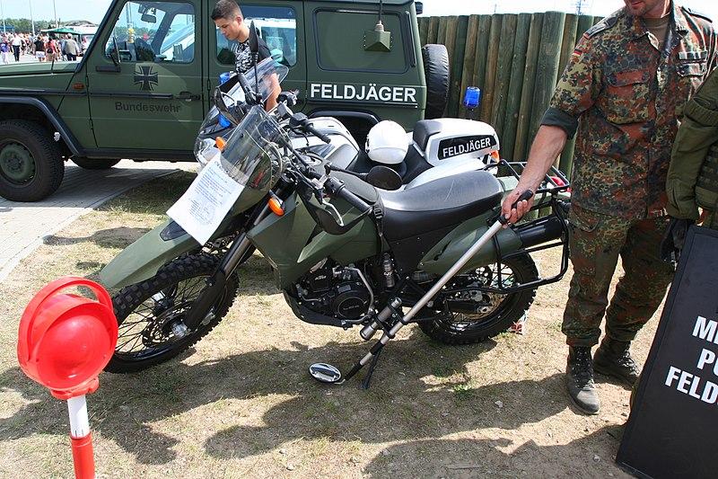 File:Hanse Sail 2009 - Rostock Warnemünde - Feldjäger Motorräder.jpg