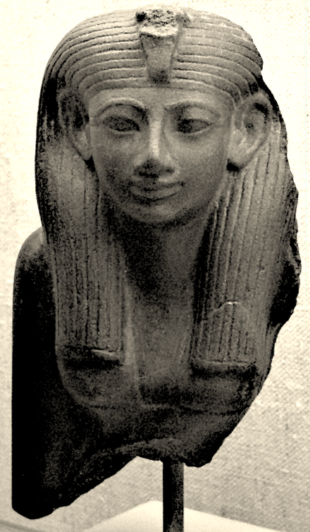 Hatshepsut was Great Royal Wife to Thutmose II, then regent for her stepson Thutmose III, before becoming pharaoh in her own right (Museum of Fine Arts, Boston) HatshepsutStatuette MuseumOfFineArtsBoston.png