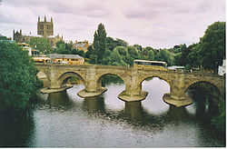 Herefordkatedralen og Wye Bridge