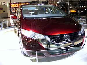 Honda FCX Clarity - Flickr - Alan D.jpg