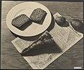 Hongerwinter Compositiefoto van een een voedselrantsoen, Bestanddeelnr 120-0759.jpg
