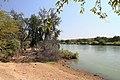 Hraniční řeka Kunene, na druhé straně je Angola - panoramio.jpg