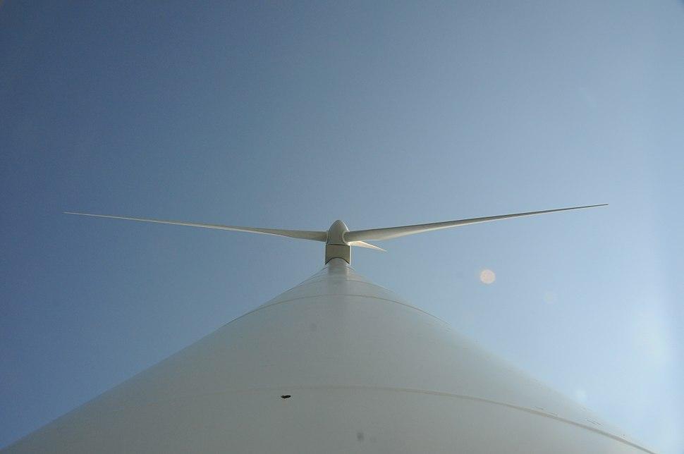 Hull 1 wind turbine 2775992216 1e91dd9ff2 o