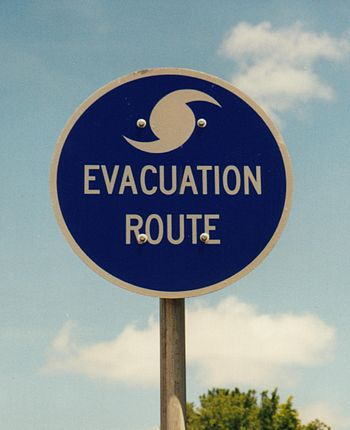 English: Hurricane evacuation route sign in th...