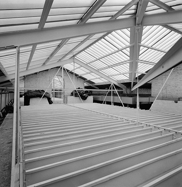 File interieur kapconstructie boven achterhal eindhoven for Interieur eindhoven