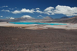 Laguna Verde (lake of Chile) - Laguna Verde in front of volcanoes Incahuasi (most left) and El Fraile (right beside)