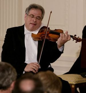 Itzhak Perlman - Perlman at the White House in 2007