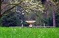 Jabłonna - fontanna w parku - panoramio.jpg
