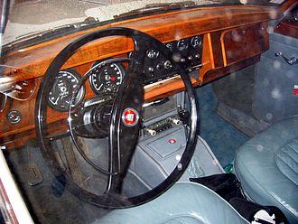 Jaguar Mark 2 - Four forward speeds and (electric) overdrive