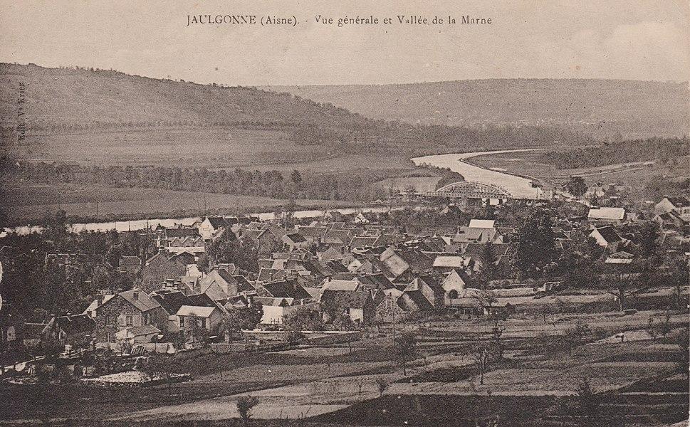 Vue générale de Jaulgonne et vallée de la Marne