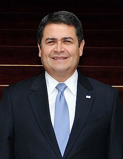 Juan Orlando Hernández, May 2015.jpg