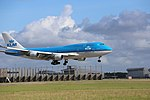 KLM Boeing 747-400 PH-BFS landing at EHAM 10.jpg