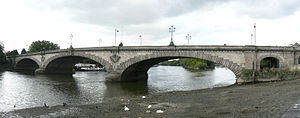 Kew Bridge - The current (third) Kew Bridge