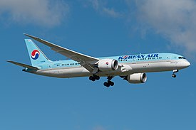 Korean Air Boeing 787-9 HL8085.jpg