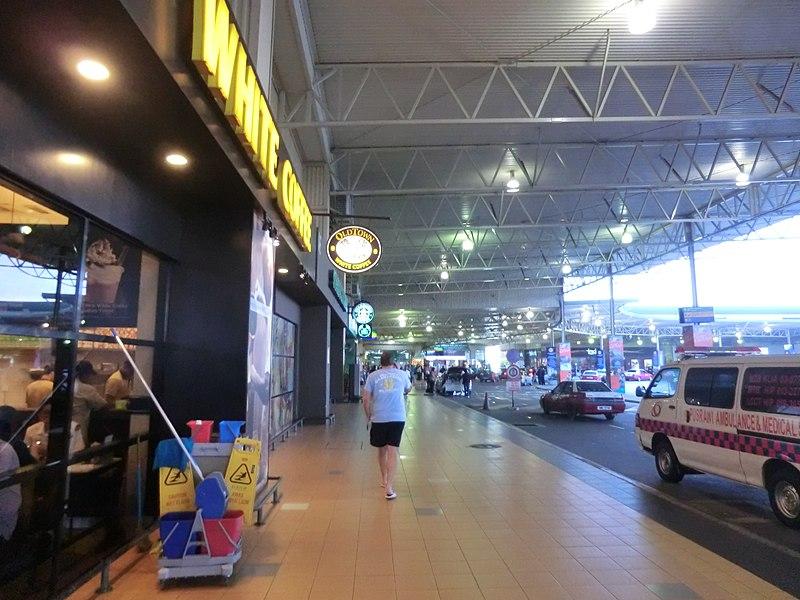 File:Kuala lumpur Airport - panoramio (2).jpg