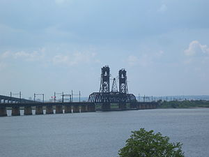 Upper Bay Bridge - Image: LV Lift Bridge W63d St jeh