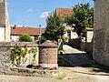 Labbeville (95), ancien puits, Grande-rue - chemin Boury 1.jpg