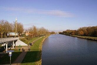 Lambersart - Image: Lambersart canal de la deûle passerelle république