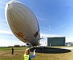 Landung des Zeppelin DLZFN auf dem Flugfeld Friedrichshafen. 05.jpg