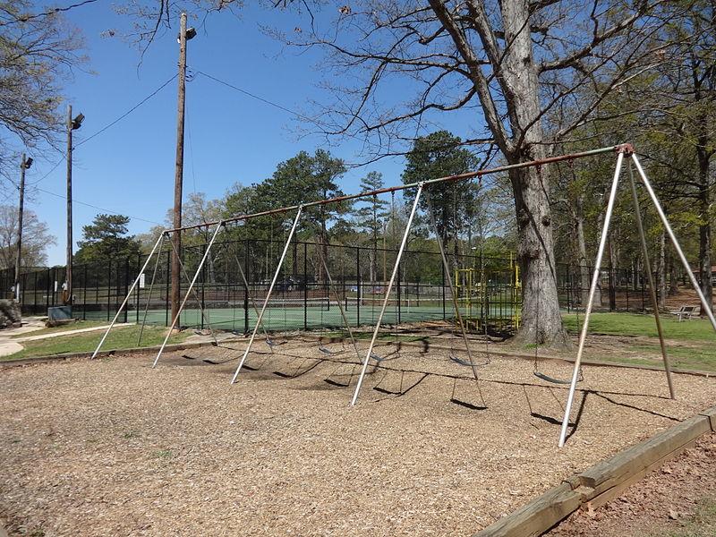File:Large swing set, City Park (Griffin).JPG