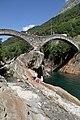 Lavertezzo. Ponte dei salti. 2011-08-13 11-30-51.jpg