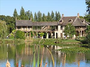 Yvelines - Image: Le hameau de la Reine (Versailles) (8040177482)