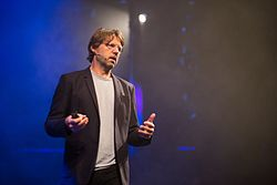 Leo Kouwenhoven at the SingularityU The Netherlands Summit 2016 (29011185724).jpg