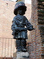 Little Insurgent Monument in Warsaw 2009 (1).jpg