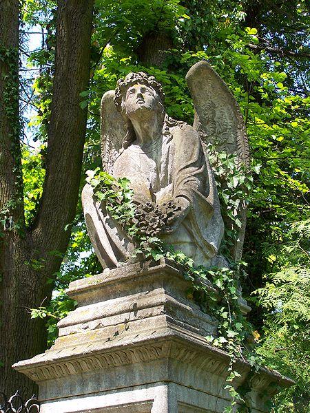 Grafika:Lwów - Cmentarz Łyczakowski - Anioł 01.JPG
