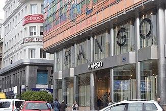 Tienda de Mango en La Coruña 7dd8d66ce5b